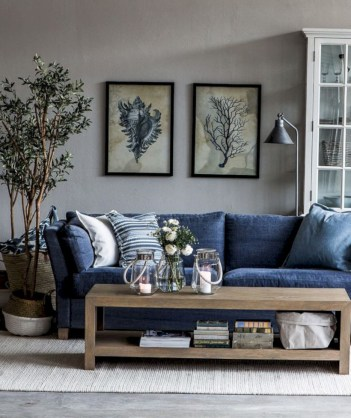 Adorable and cozy neutral living room design ideas 44
