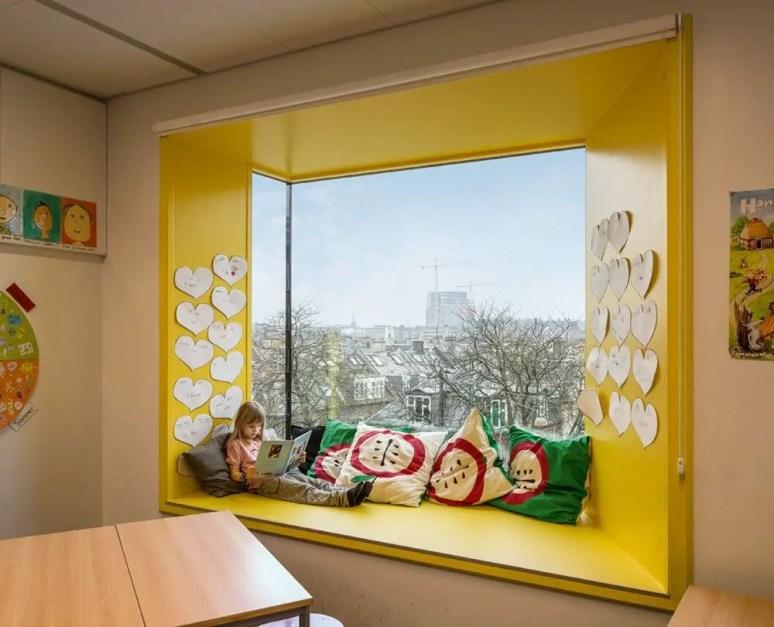 Bay window ideas that blend well with modern interior design 40