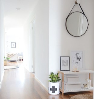 Adorable round mirror designs to brighten up your small space 35