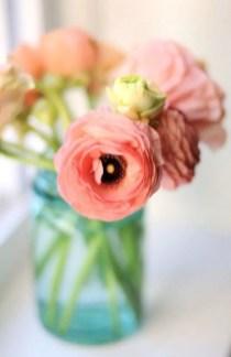 Cheerful ways to use mason jars this spring 04
