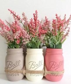 Cheerful ways to use mason jars this spring 11