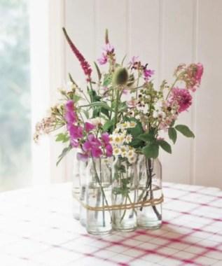 Cheerful ways to use mason jars this spring 17