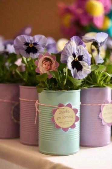 Cheerful ways to use mason jars this spring 41