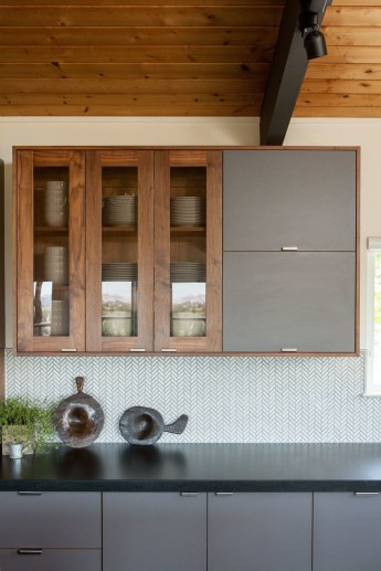 Modern herringbone pattern to give unique elements to your kitchen 50