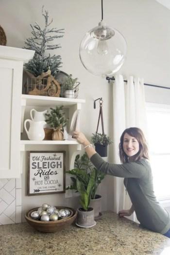 Adorable farmhouse christmas decor ideas 09