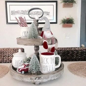 Adorable farmhouse christmas decor ideas 17