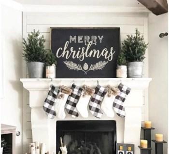 Adorable farmhouse christmas decor ideas 36