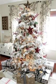 Adorable farmhouse christmas decor ideas 48