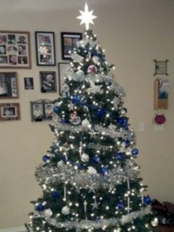Awesome silver and white christmas tree decorating ideas 01