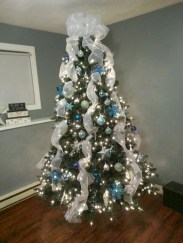 Awesome silver and white christmas tree decorating ideas 23