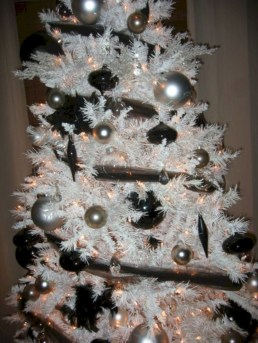 Awesome silver and white christmas tree decorating ideas 30