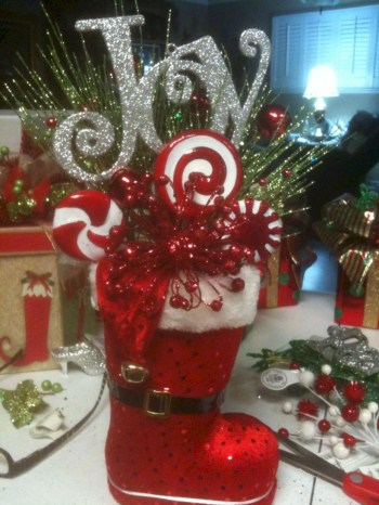 Beautiful christmas centerpiece ideas you should try 17
