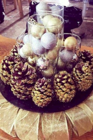 Beautiful christmas centerpiece ideas you should try 42