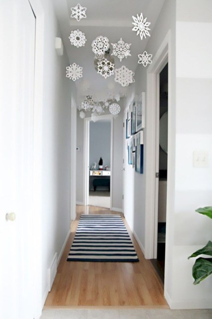 Beautiful christmas decor for small space 12