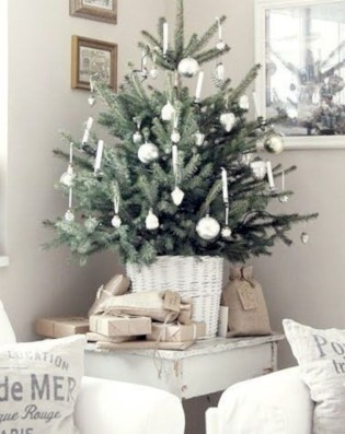 Beautiful christmas decor for small space 21