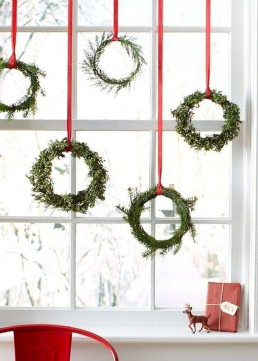 Beautiful christmas decor for small space 01