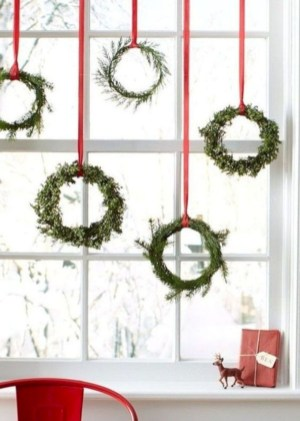 Beautiful christmas decor for small space 46