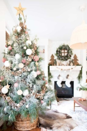 Beautiful christmas tree decoration ideas to see 37