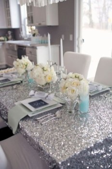 Beautiful winter table decoration ideas for a romantic dinner 03
