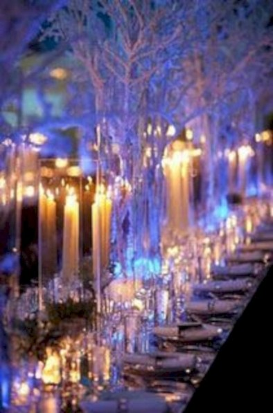 Beautiful winter table decoration ideas for a romantic dinner 19
