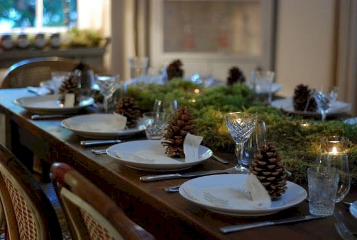 Beautiful winter table decoration ideas for a romantic dinner 25