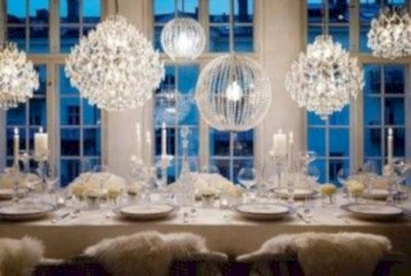 Beautiful winter table decoration ideas for a romantic dinner 26