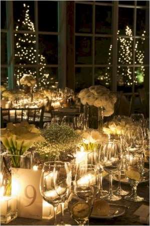 Beautiful winter table decoration ideas for a romantic dinner 27