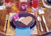 Beautiful winter table decoration ideas for a romantic dinner 31