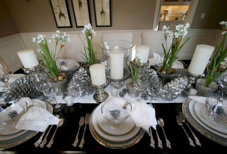 Beautiful winter table decoration ideas for a romantic dinner 37