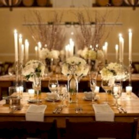 Beautiful winter table decoration ideas for a romantic dinner 39