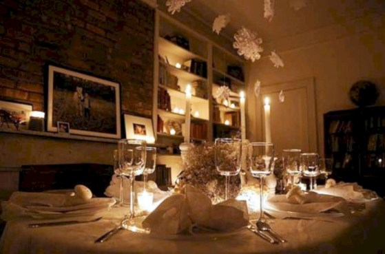 Beautiful winter table decoration ideas for a romantic dinner 49