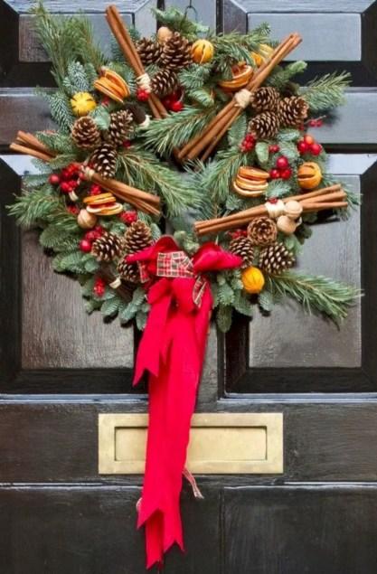 Easy christmas decor ideas for your door 33