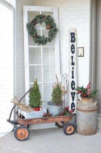 Easy christmas decor ideas for your door 45
