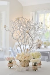 Easy winter centerpiece decoration ideas to try 34