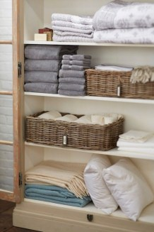 Ways to organizing your chaotic linen closet 02