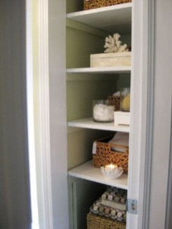 Ways to organizing your chaotic linen closet 03