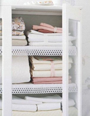 Ways to organizing your chaotic linen closet 16