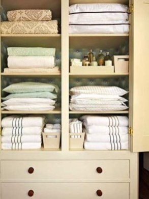 Ways to organizing your chaotic linen closet 18