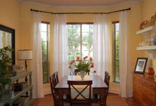 Window treatment and curtain ideas to beautify your window space 44
