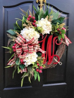 Winter christmas wreath to compliment your door 14