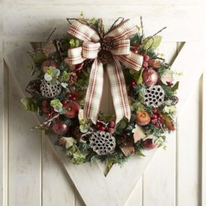 Winter christmas wreath to compliment your door 21