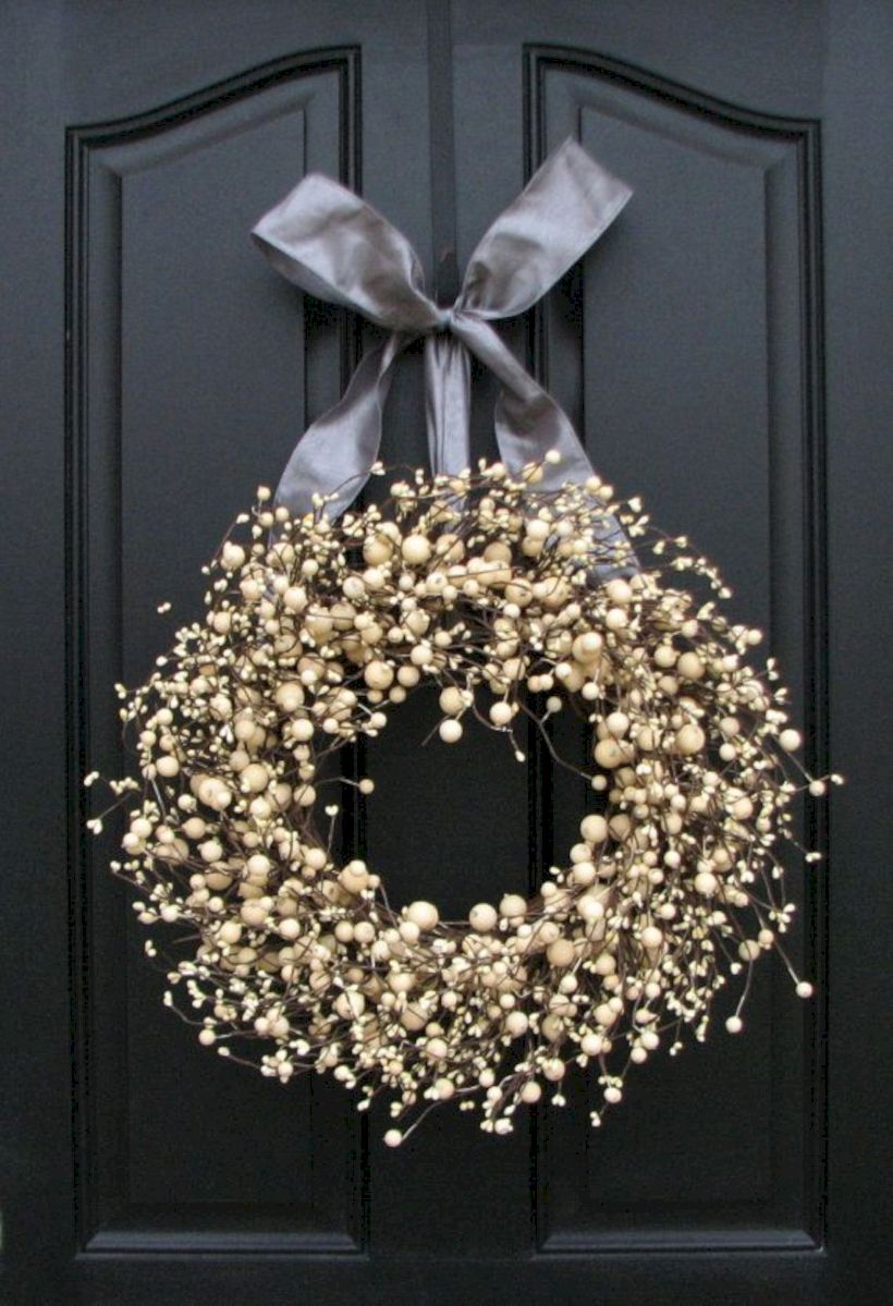 Winter christmas wreath to compliment your door 23