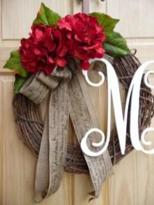 Winter christmas wreath to compliment your door 25