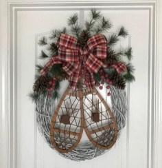 Winter christmas wreath to compliment your door 33