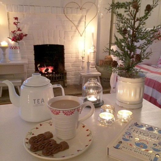 Winter hygge home decorating ideas 21
