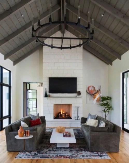 Awesome country farmhouse decor living room ideas 06