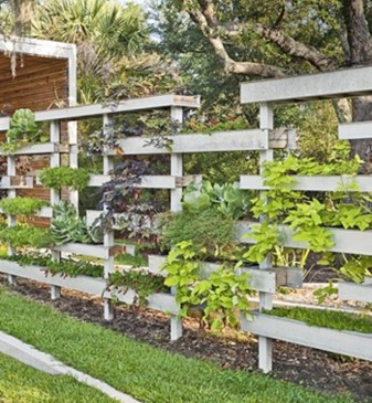 Beautiful yet functional privacy fence planter boxes ideas 07