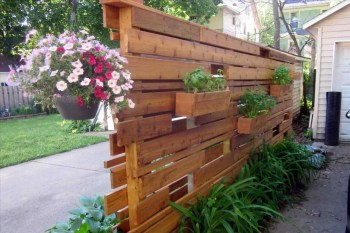 Beautiful yet functional privacy fence planter boxes ideas 29
