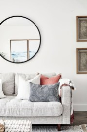 Cozy living room decor ideas to make anyone feel right at home 28