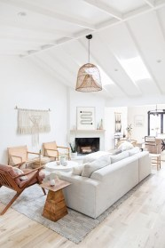 Cozy living room decor ideas to make anyone feel right at home 39